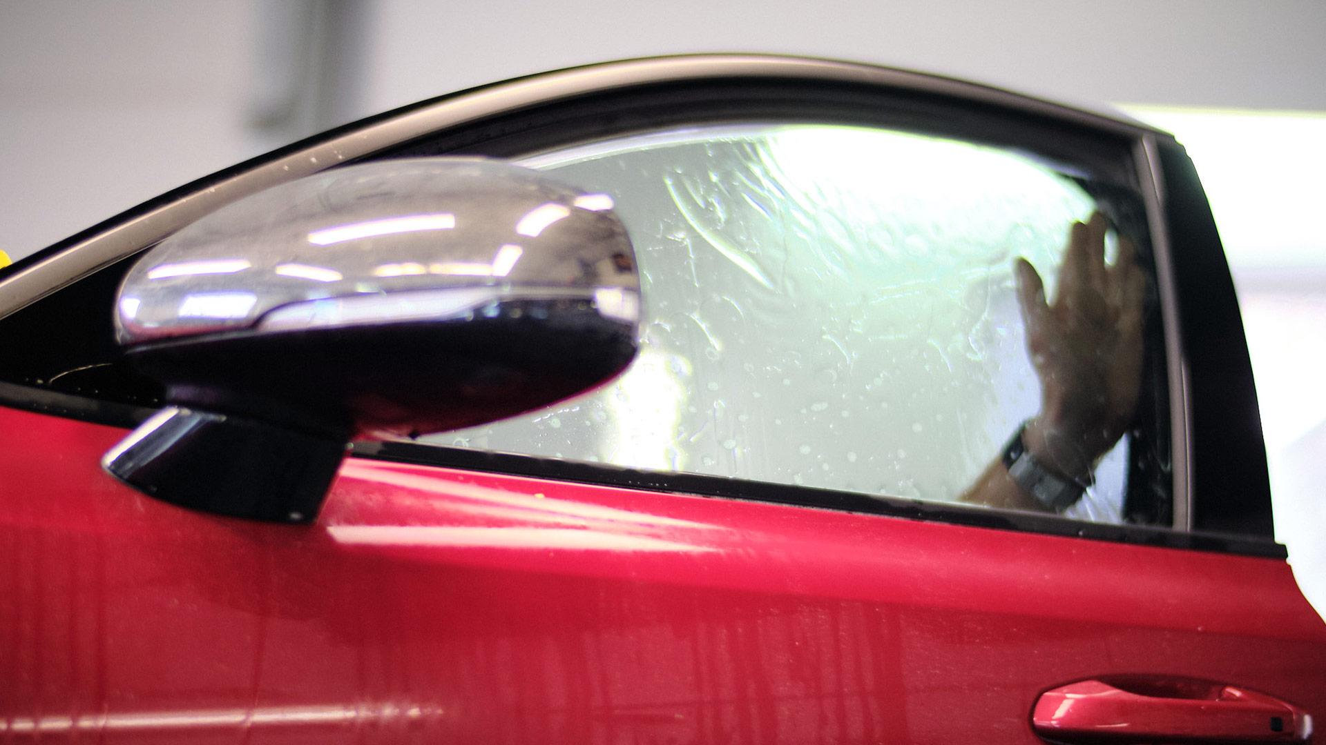 oklejenie auta ochronną folią PPF, a pozostałą część lakieru - powłoką ceramiczną 4nano